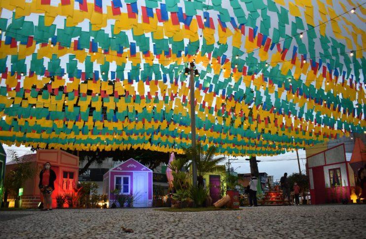 Prefeitura de Eunápolis prorroga programação da Vila do Forró até dia 04 de julho 31