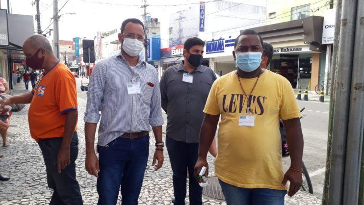 Secretaria de Saúde monta força-tarefa para impedir aglomeração em filas no centro de Eunápolis 21