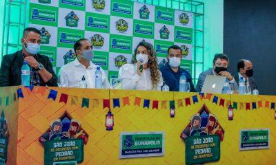 Prefeita Cordélia anuncia durante coletiva de imprensa, a Live São João se Encontra com Pedrão em Eunápolis 10