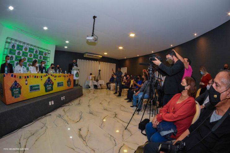 Prefeita Cordélia anuncia durante coletiva de imprensa, a Live São João se Encontra com Pedrão em Eunápolis 28