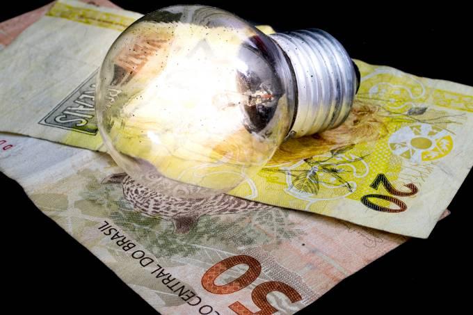 Conta de luz pode aumentar mais 20% em julho 23