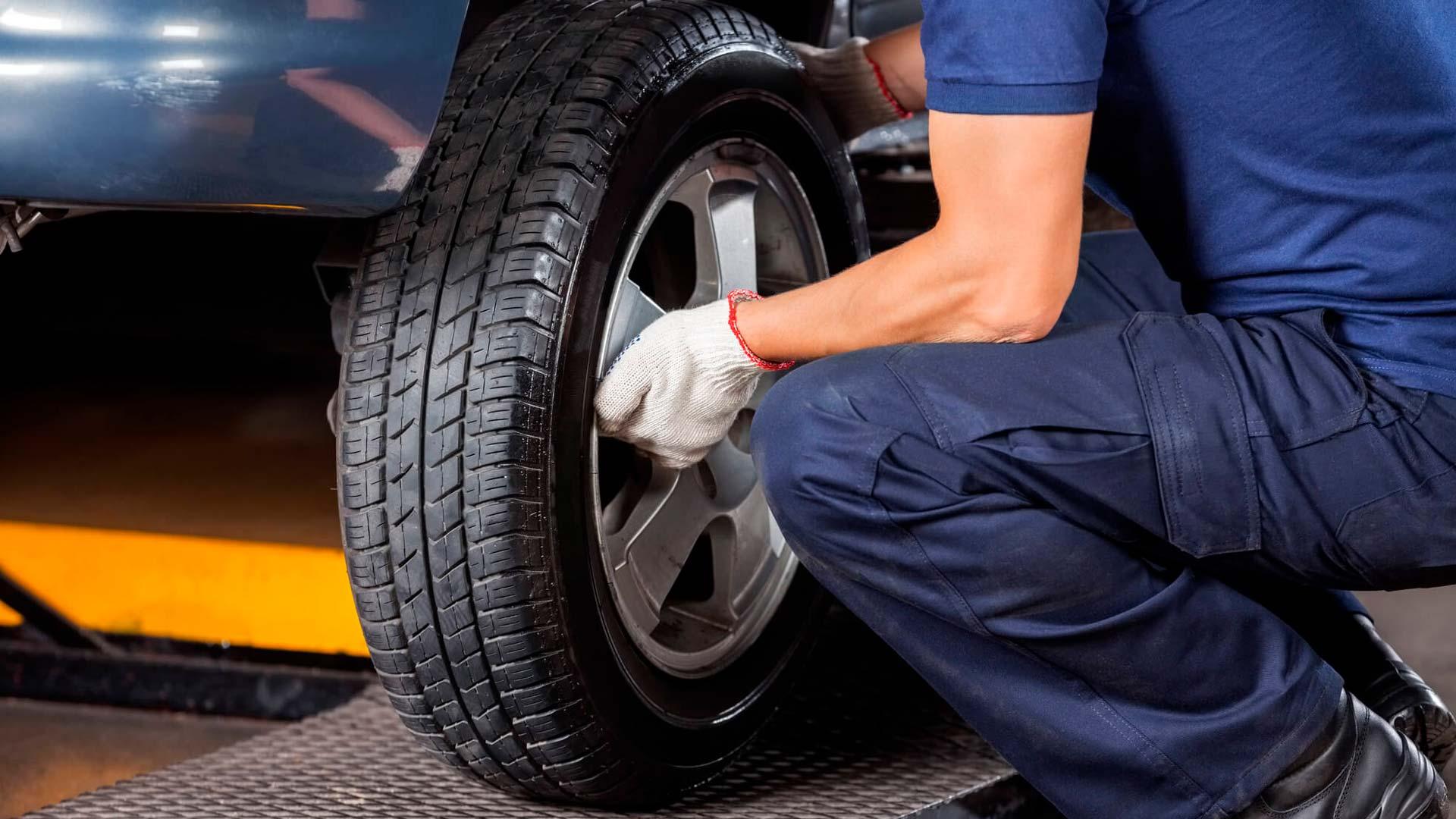 Troca de pneu: 5 erros que você precisa evitar em emergências e na oficina 28