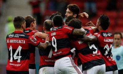 Com presença de torcedores, Flamengo goleia e passa às quartas na Liberta 18