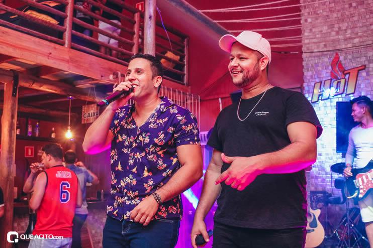 Dupla André Lima e Rafael contagia público na Hot 119