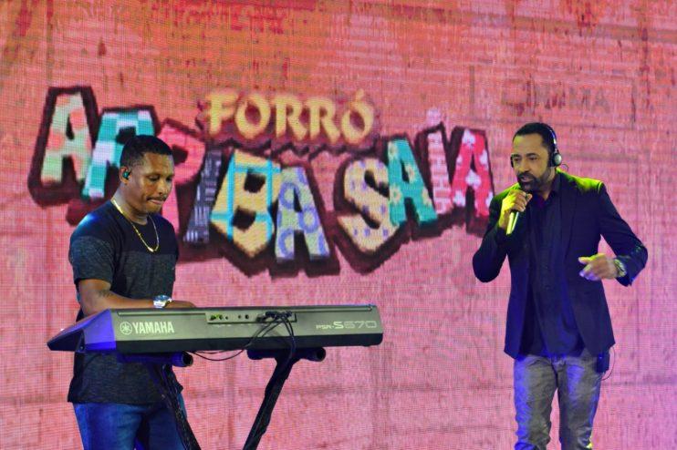 """Adelmário Coelho e Roni Brasil fecham com chave de ouro a última noite da live """"São João se Encontra com Pedrão em Eunápolis"""" 42"""