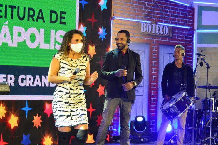 """Adelmário Coelho e Roni Brasil fecham com chave de ouro a última noite da live """"São João se Encontra com Pedrão em Eunápolis"""" 41"""