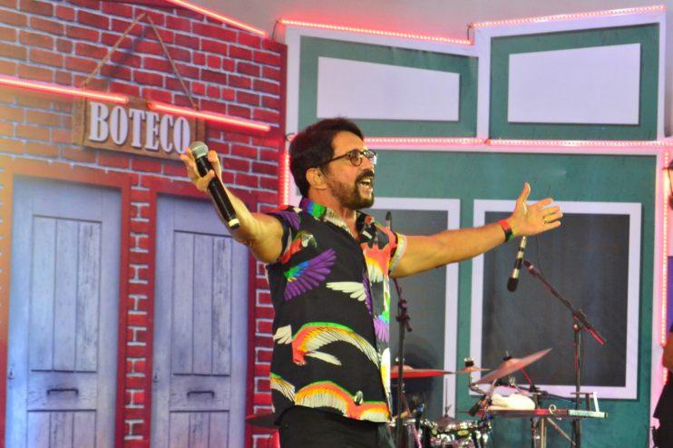"""Adelmário Coelho e Roni Brasil fecham com chave de ouro a última noite da live """"São João se Encontra com Pedrão em Eunápolis"""" 43"""