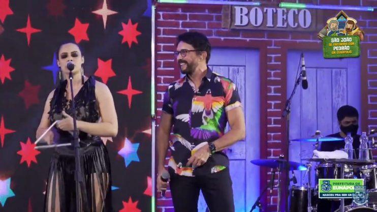 """Adelmário Coelho e Roni Brasil fecham com chave de ouro a última noite da live """"São João se Encontra com Pedrão em Eunápolis"""" 47"""