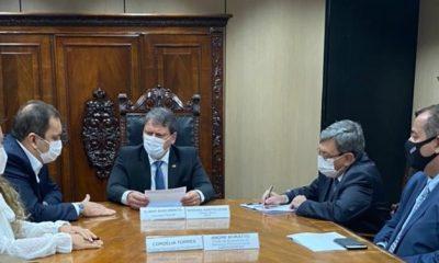 Prefeita de Eunápolis teve audiência com ministro da Infraestrutura reivindicando obras para a cidade 48