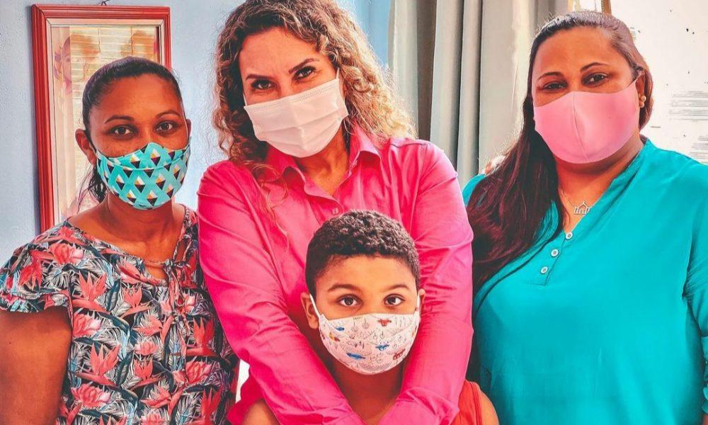 Eunápolis: Momento emocionante marca encontro da prefeita Cordélia Torres com família do menino Sebastian 22