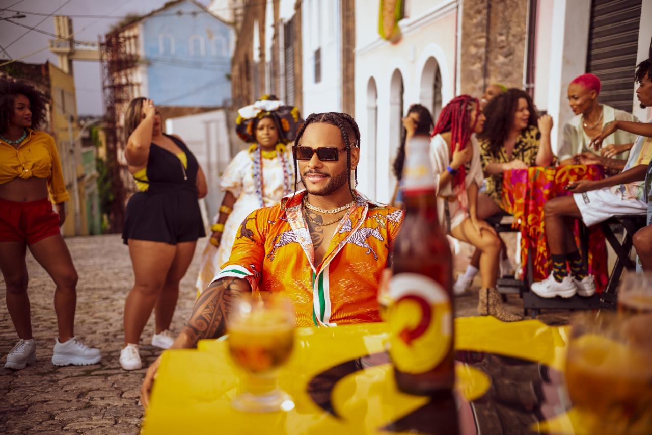 Parangolé lança clipe com medley de grandes sucessos do seu último EP 23