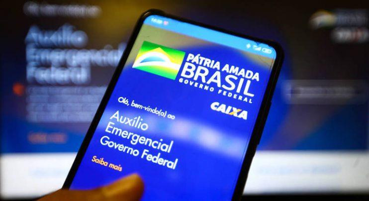 Bolsonaro prorroga por três meses pagamento do auxílio emergencial 23