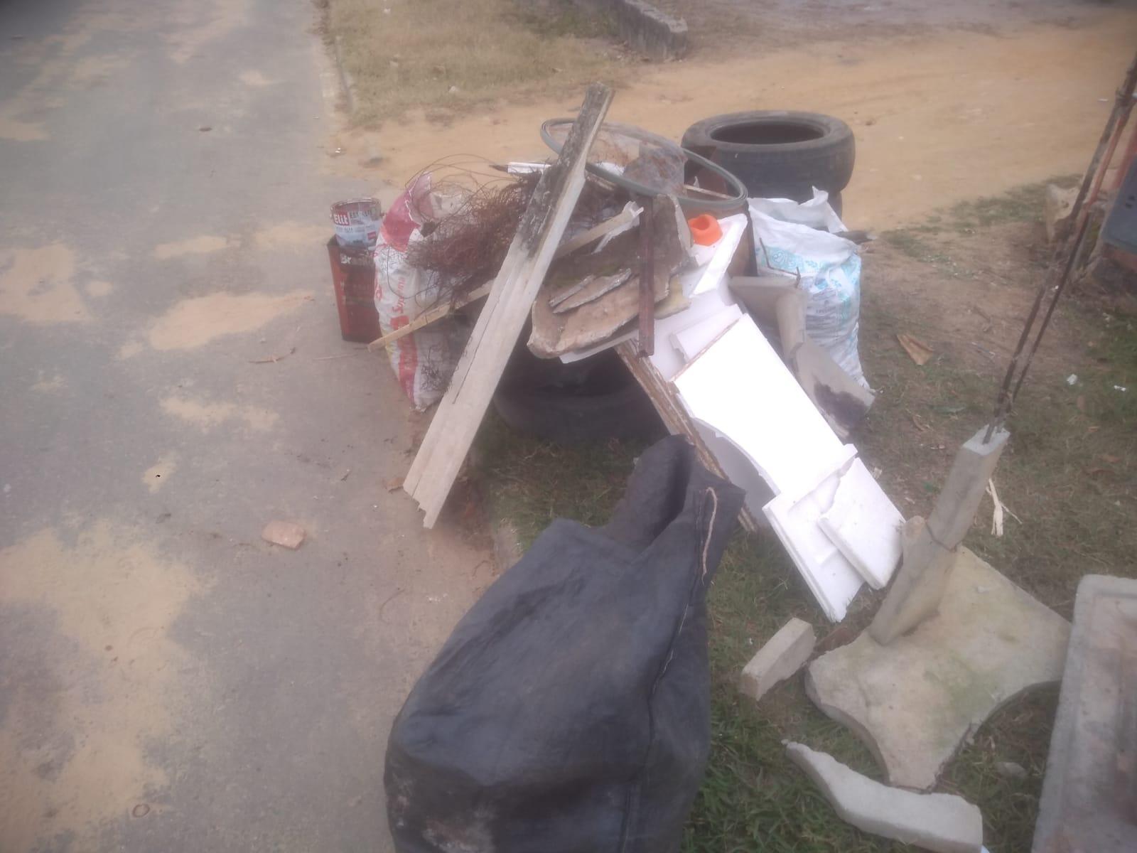 Mutirão de limpeza contra o Aedes Aegypti recolhe lixo no distrito da Colônia 19
