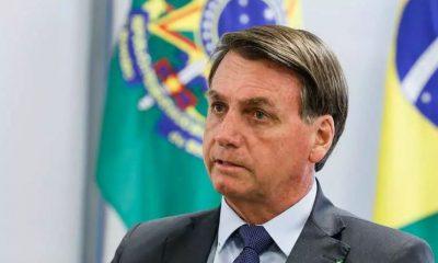 Bolsonaro volta a defender voto impresso e diz que Aécio derrotou Dilma em 2014 25