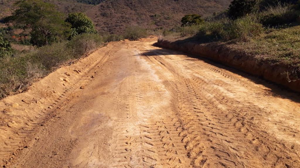 Prefeitura de Eunápolis conclui revitalização da ladeira que dá acesso à região do Itú 24