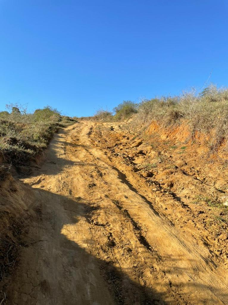 Prefeitura de Eunápolis conclui revitalização da ladeira que dá acesso à região do Itú 23
