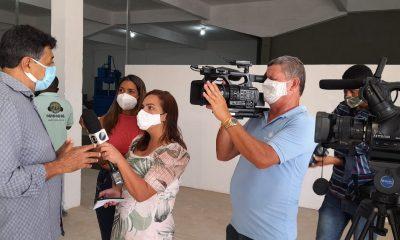 Secretaria de Meio Ambiente de Eunápolis entrega chaves de galpão para viabilizar trabalho de catadores 16