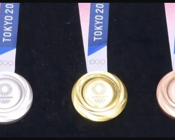 Medalhas olímpicas de Tóquio são feitas de celulares velhos 16