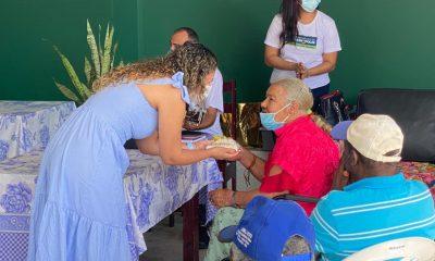 Dia dos Avós é comemorado com café da manhã especial no Recanto dos Idosos 99