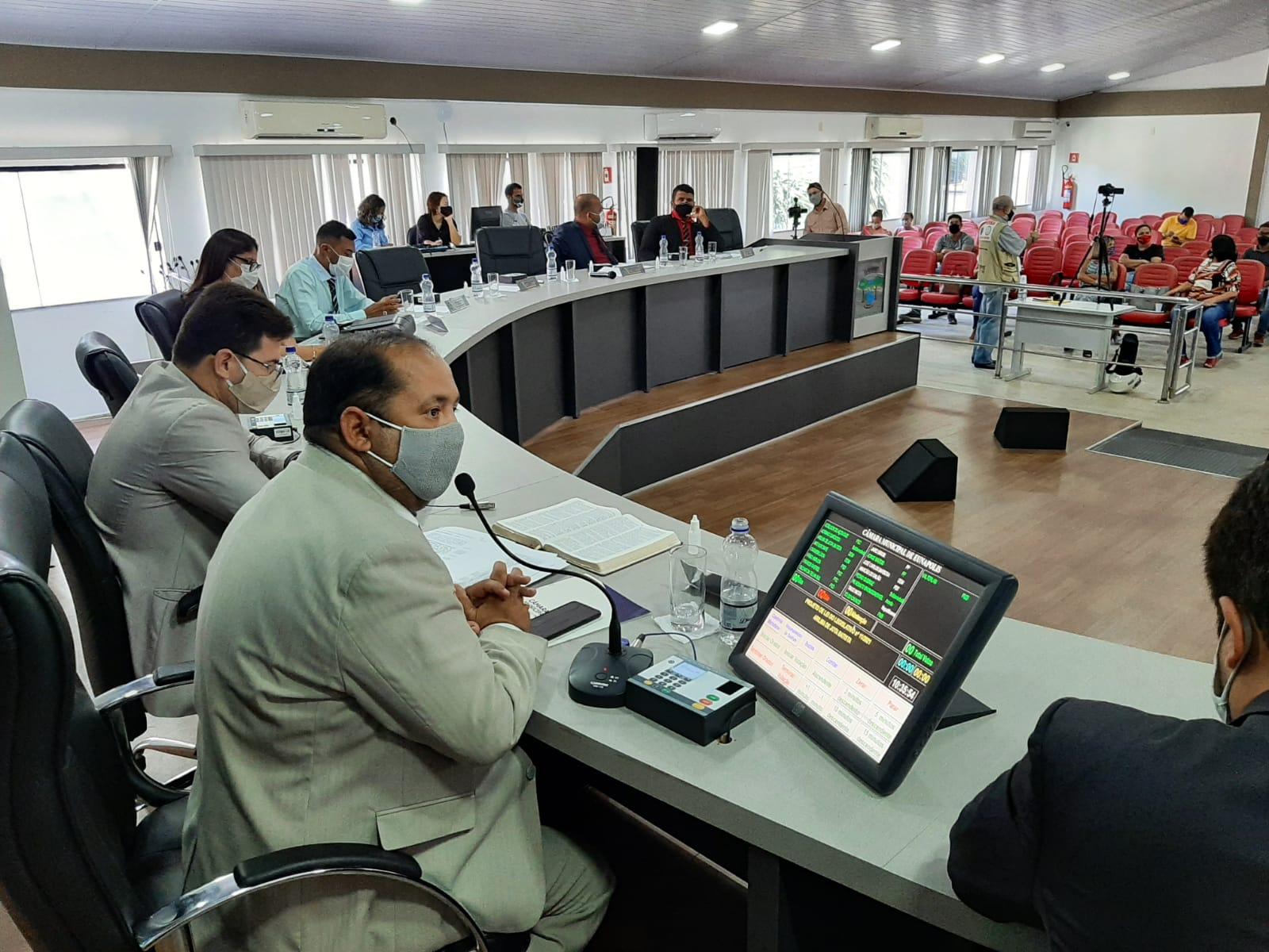Câmara de Eunápolis convoca vereadores para sessão extraordinária durante o recesso 18