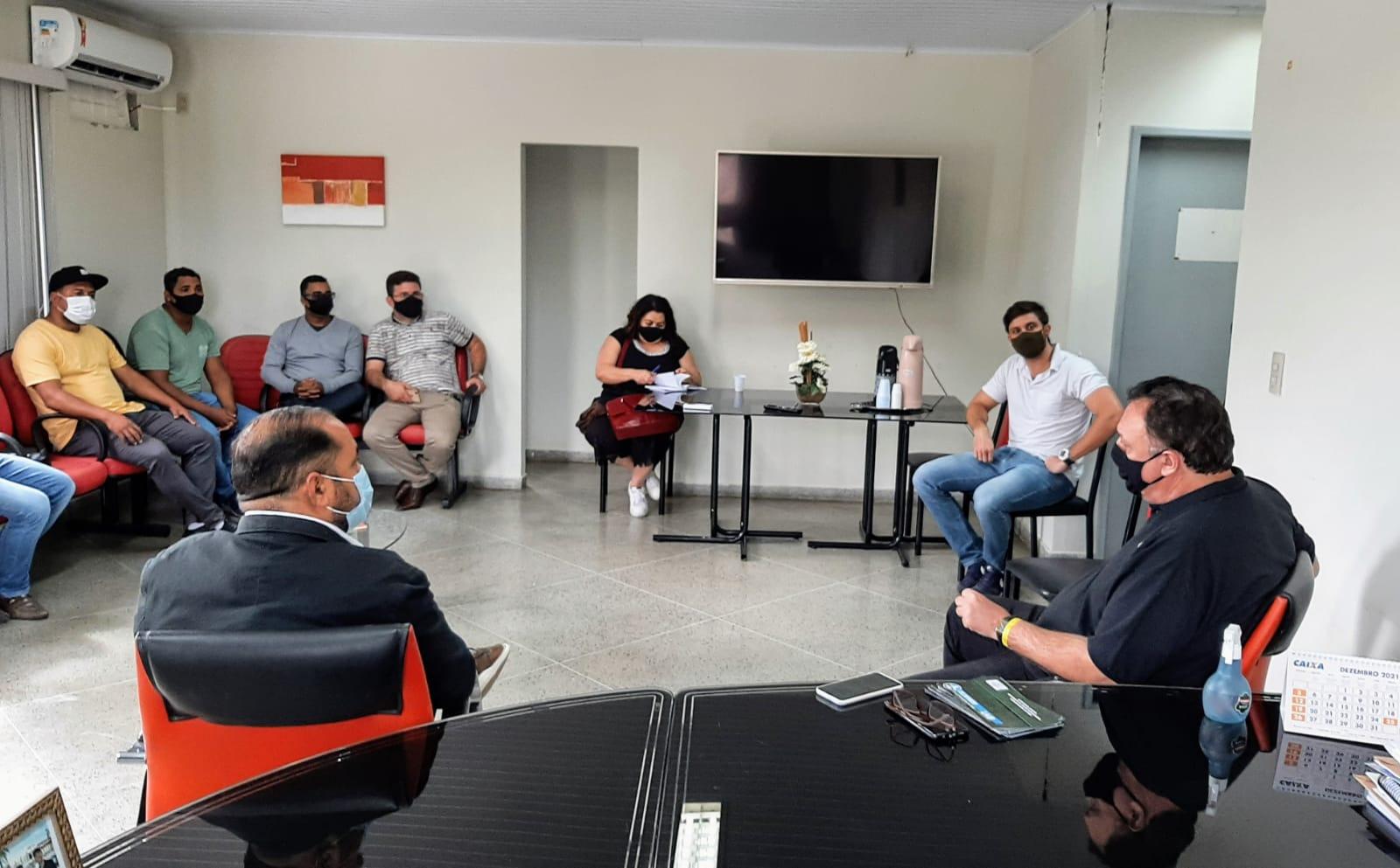 Câmara de Eunápolis recebe visita do presidente da União dos Vereadores do Brasil 24