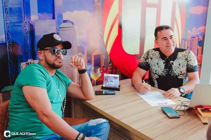 Matrix Produtora assina contrato com cantor Netinho do Forró 22