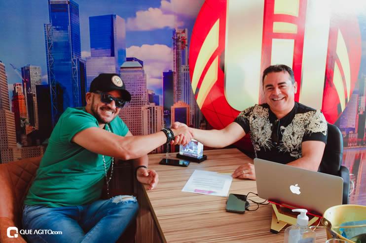 Matrix Produtora assina contrato com cantor Netinho do Forró 30