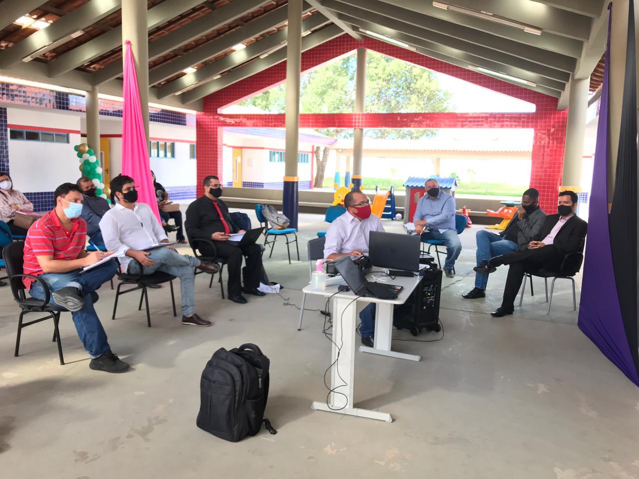 Sessão pública apresenta implantação de sistema digital nas escolas públicas de Eunápolis 26