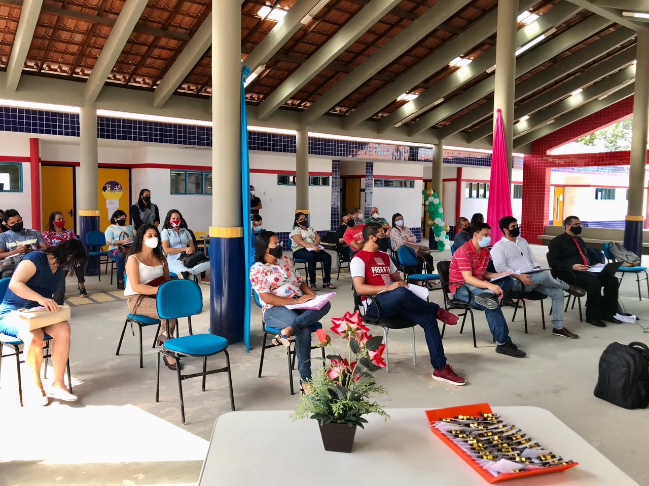 Sessão pública apresenta implantação de sistema digital nas escolas públicas de Eunápolis 27