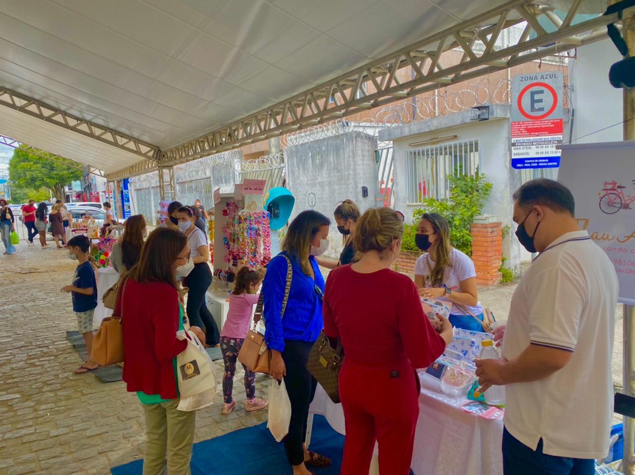 Feira de Artesanato supera expectativa de vendas no município de Eunápolis 22