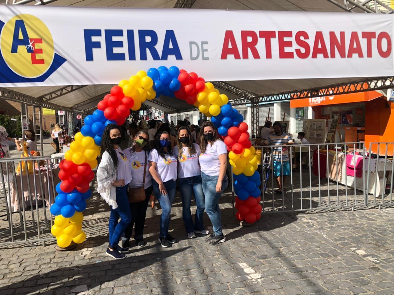 Feira de Artesanato supera expectativa de vendas no município de Eunápolis 21