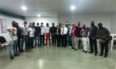 Secretarias de Governo e Serviços Públicos realizam reunião com coordenadores de bairros de Eunápolis 21