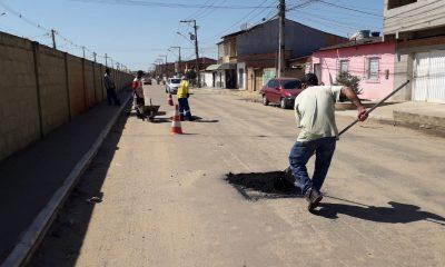 """""""Operação Tapa Buracos"""" e outras requalificações são executadas pela Secretaria de Serviços Públicos 14"""