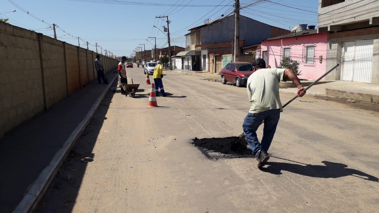 """""""Operação Tapa Buracos"""" e outras requalificações são executadas pela Secretaria de Serviços Públicos 17"""