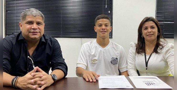 Eunapolitano promessa do Flamengo assinou contrato com o Santos 23