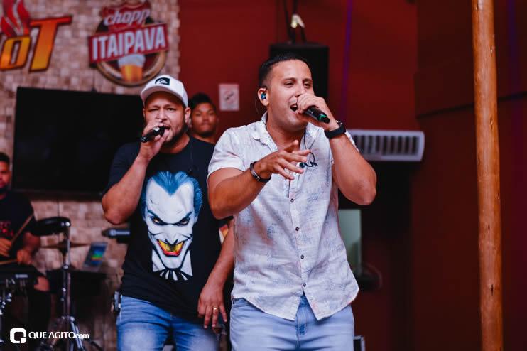 Público vai ao delírio com apresentação da dupla André Lima e Rafael na Hot 44