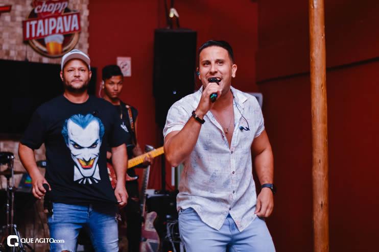 Público vai ao delírio com apresentação da dupla André Lima e Rafael na Hot 41
