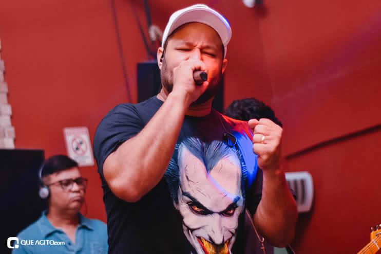 Público vai ao delírio com apresentação da dupla André Lima e Rafael na Hot 47