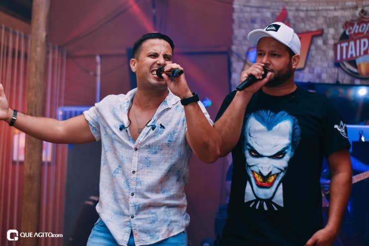 Público vai ao delírio com apresentação da dupla André Lima e Rafael na Hot 52