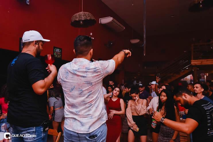 Público vai ao delírio com apresentação da dupla André Lima e Rafael na Hot 67