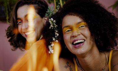 Conheça Louca Por Você, música de Gabriela Lima e Lua Novaes, sobre o final de um relacionamento LGBT e controverso. 7