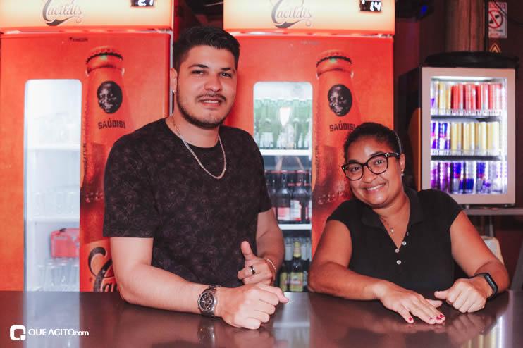 Público vai ao delírio com apresentação da dupla André Lima e Rafael na Hot 73