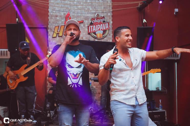 Público vai ao delírio com apresentação da dupla André Lima e Rafael na Hot 79