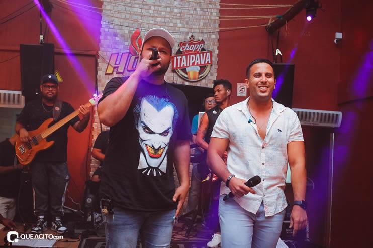 Público vai ao delírio com apresentação da dupla André Lima e Rafael na Hot 82