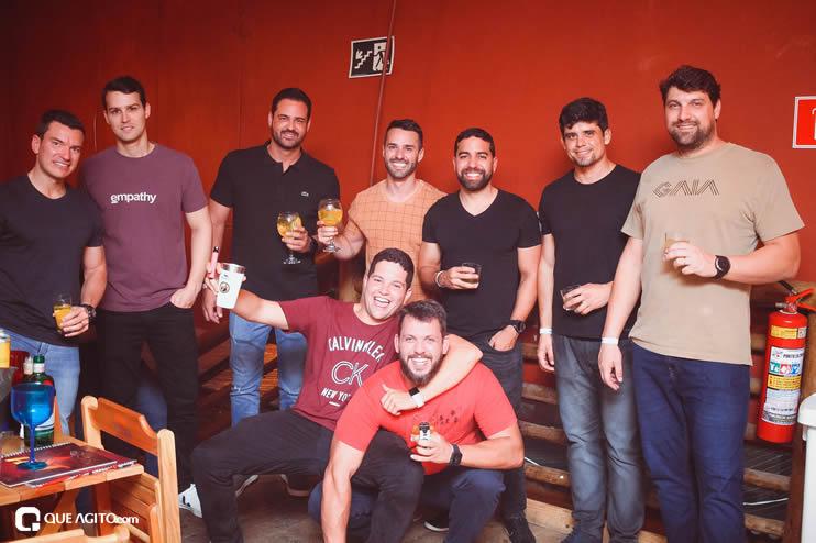 Público vai ao delírio com apresentação da dupla André Lima e Rafael na Hot 92