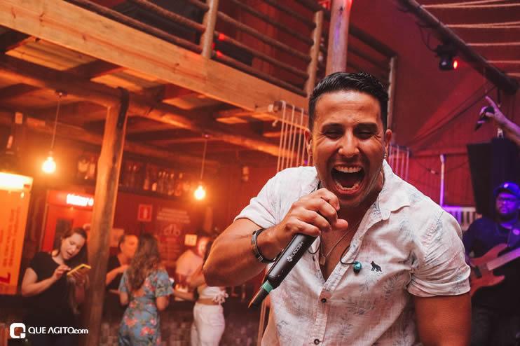 Público vai ao delírio com apresentação da dupla André Lima e Rafael na Hot 100