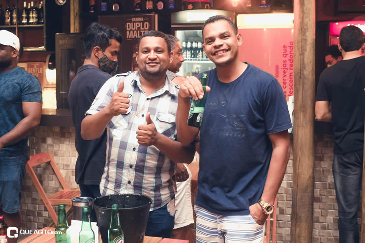 Público vai ao delírio com apresentação da dupla André Lima e Rafael na Hot 109