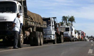 Manifestações de caminhoneiros devem seguir até a meia-noite, afirma governo 24