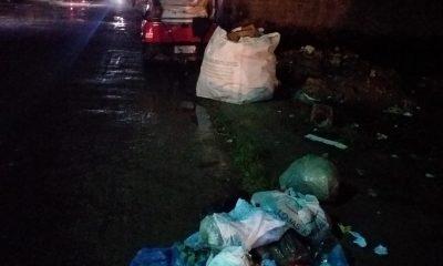 Eunápolis: moradores reclamam que sacolas estão sendo abertas e lixo espalhado pelas ruas 22