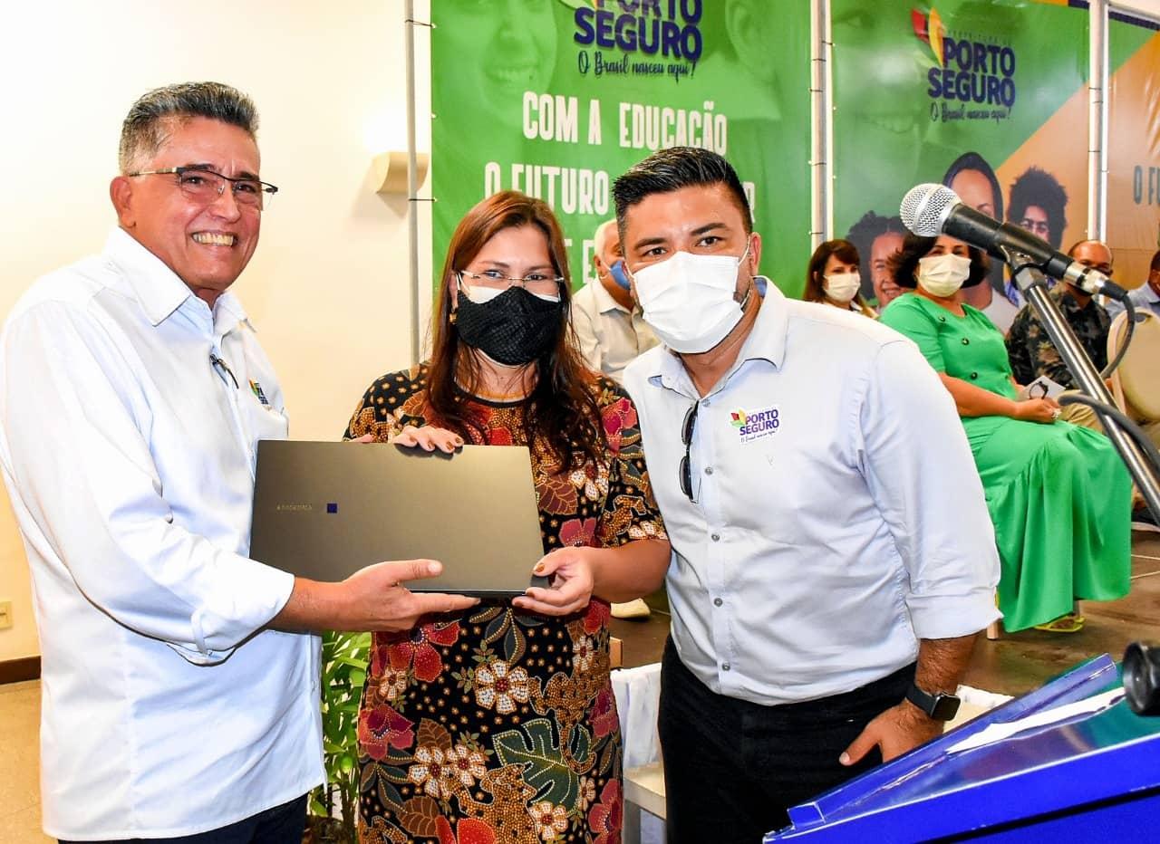 Porto Seguro: Prefeitura lança plataforma digital que vai auxiliar alunos e professores na volta às aulas no sistema híbrido 25